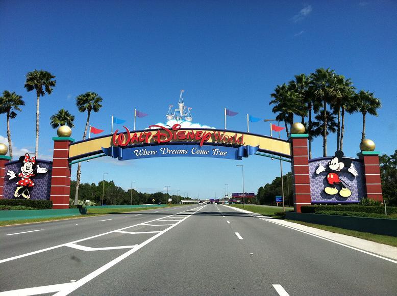 2011-10-24 Disney 049rs